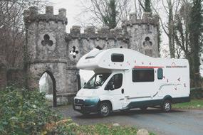 bunk campers wohnmobil mieten irland wild atlantic way. Black Bedroom Furniture Sets. Home Design Ideas